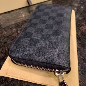 Louis Vuitton Zippy Wallet Vertical Damier